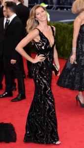 Gisele looks like a beauty in this Balenciaga dress.