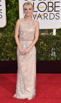 This dress wasn't the best on the carpet but I personally think it's one of Anna Faris' better looks.