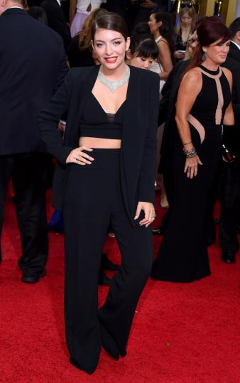Lorde looked well beyond her years in this pants/crop top combo.